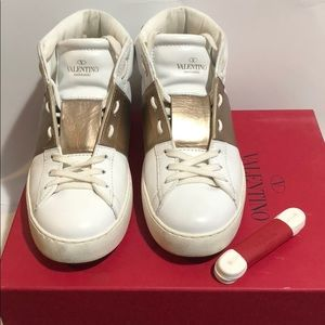 VALENTINO Sneakers white and gold lace up 39